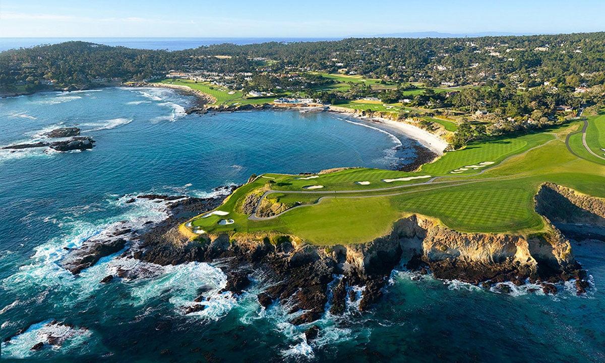 """Thiết kế sân golf không những chuẩn quốc tế mà còn vô cùng đẹp mắt với thương hiệu """"Greg Norman""""."""