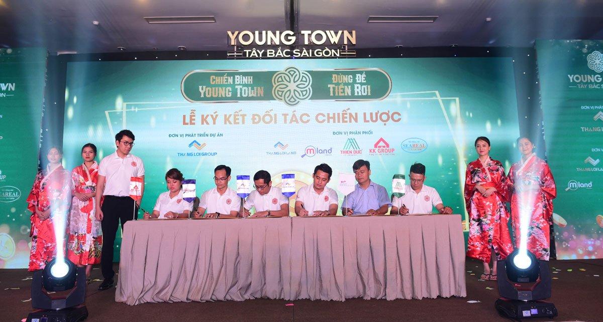 Lễ ký kết hợp tác Dự án Đất nền – Nhà phố Young Town Tây Bắc Sài Gòn